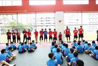 Coaches and National players from ActiveSG Basketball Team